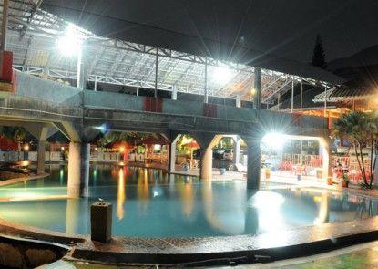 Amazing City Beach Resort Palu Kolam Renang