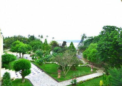 Amazing City Beach Resort Palu Taman