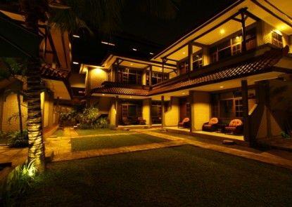 Amazing Hotel Kuta Taman