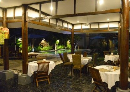 Amazing Hotel Kuta Rumah Makan
