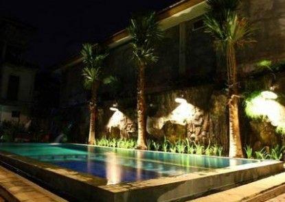 Amazing Hotel Kuta Eksterior