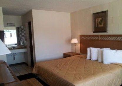 American Quality Lodge Panama City
