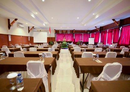 Aneka Lovina Villas and Spa Ruangan Meeting