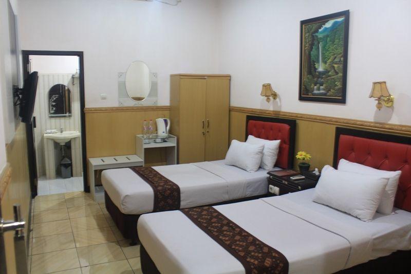 Anggraeni Hotel Ketanggungan,Tanjung
