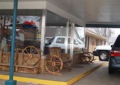 Annie Oakley Motel Oakley