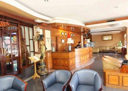 Antares Hotel Medan Lounge