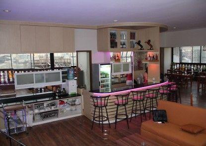 Antoni Hotel Kafe