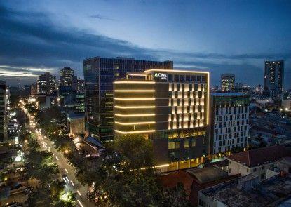 A ONE Hotel Jakarta Eksterior