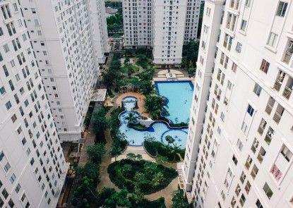 Apartment Kalibata City - Hoostia Kolam Renang