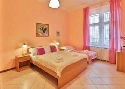 Apartment near Havlicek Garden