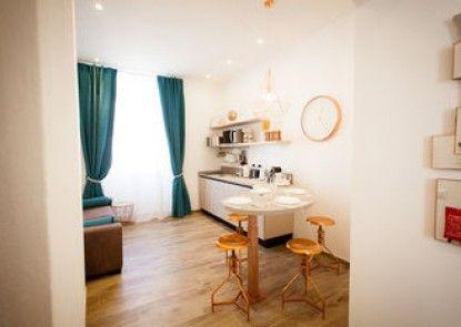 Apartments & Suites 5 Terre La Spezia