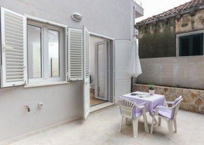 Apartments Villa Karmen