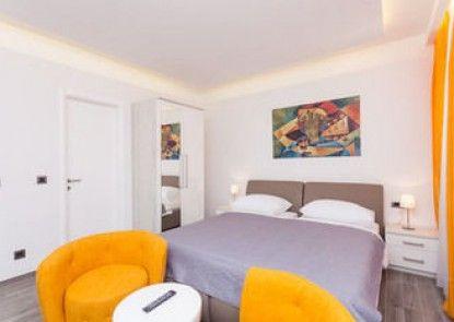 Apartments Villa Peragro