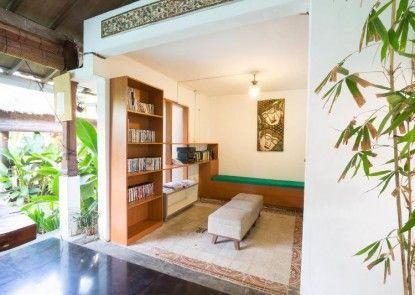 Aqua Bali Villa Ruang Baca