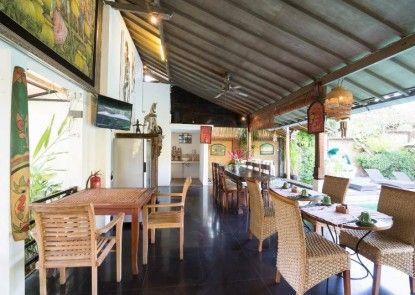 Aqua Bali Villa Rumah Makan