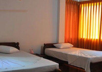 Aradhana Hotel