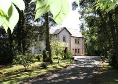 Arden Country House