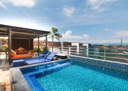 A Residence Kuta Bali Kolam Renang