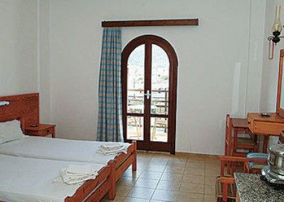 Arkadi Apartments