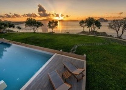 Artina Luxury Villa