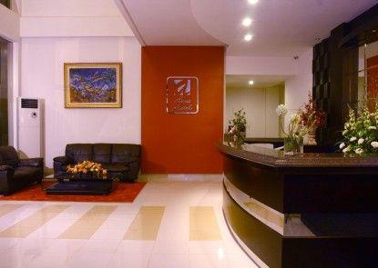 Asia Hotel Makassar Penerima Tamu