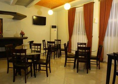 Asia Hotel Makassar Ruang Tamu