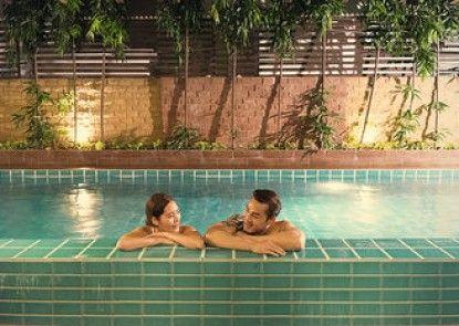 Aspen Suites Sukhumvit 2 by Compass Hospitality Kolam Renang