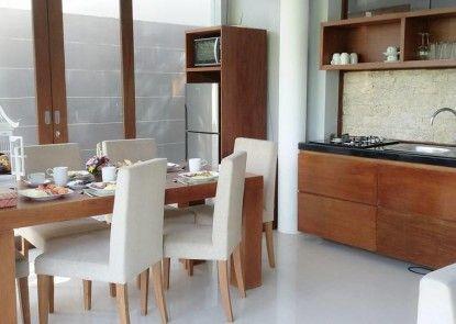 Astamana Villa Canggu Ruang Makan
