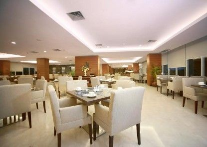 Aston Madiun Hotel & Conference Center Rumah Makan