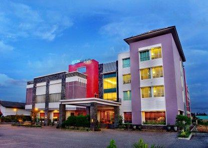 Aston Tanjung City Hotel Pintu Masuk
