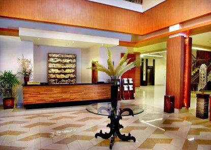 Aston Tanjung City Hotel Lobby