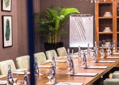 Aston Kuningan Suites Ruang Makan