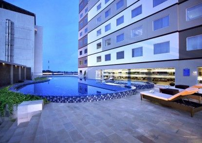 Aston Kupang Hotel & Convention Center Kolam Renang