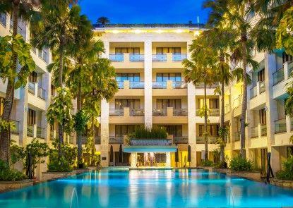 Aston Kuta Hotel & Residence Kolam Renang