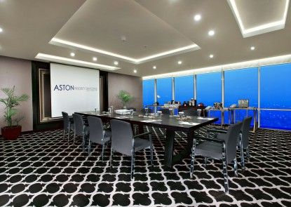 Aston Priority Hotel and Conference Center Ruangan Meeting
