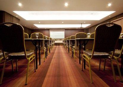 Aswin Hotel & Spa Ruangan Meeting