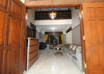 Athaya Guest House Lobby