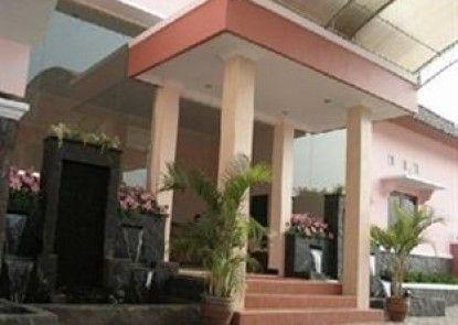 Atrium Resort and Hotel Purwokerto Pintu Masuk