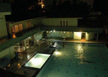 Aubrona Hotel