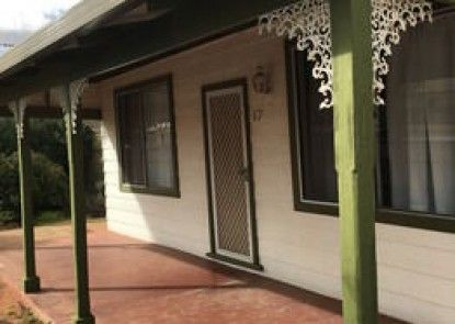 Away Cottages Broken Hill