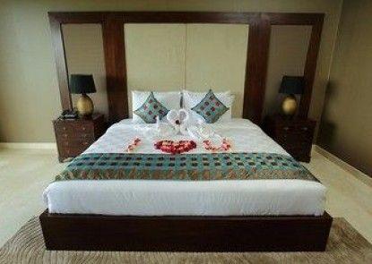 AYANA Residences Luxury Apartments Teras