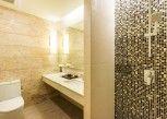 Pesan Kamar Jacuzzi Pool Access King di Ayrest Hotel