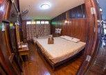 Pesan Kamar Standard Triple Room With Fan di Baan Are Gong Riverside Homestay