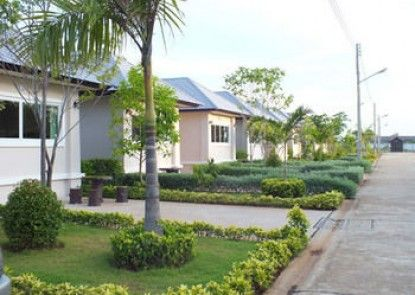 Baan Faa Talaychan Resort