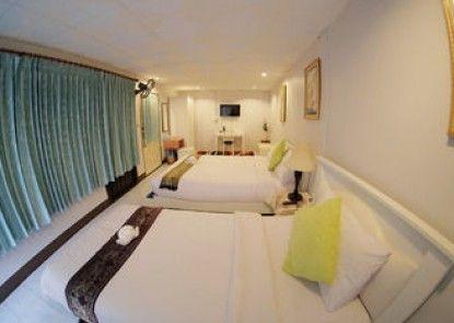 Baan Issara Boutique Hotel