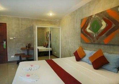 Baan Kamala Hostel and Guesthouse