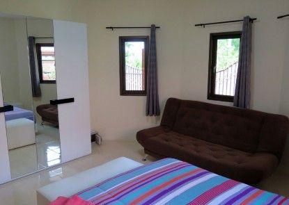Baan Kanittha - 4 Bedrooms Garden Villa