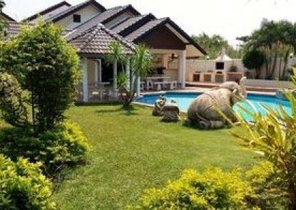 Baan Laksee Pool Villa
