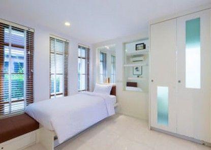 Baan LonSai Beachfront Condominium