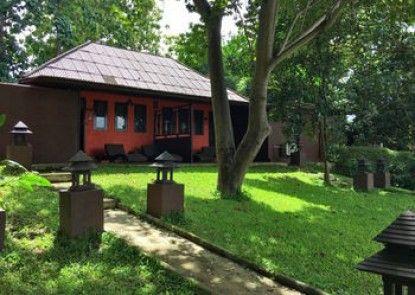Baannamping Riverside Village